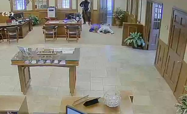 FBI investigating violent takeover and robbery of bank in Woodbury, Ga.