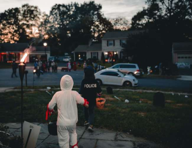 Do you know these tips to keep your child safe on Halloween?