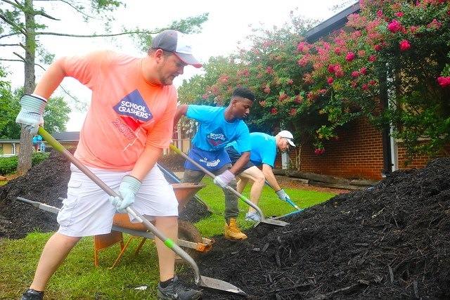 A group of volunteers gave a Georgia elementary school a makeover