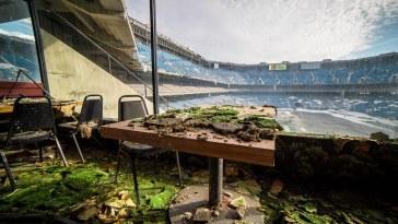 terkedilmiş stadyum