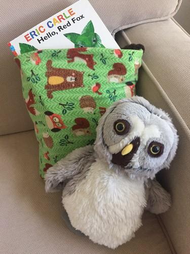 DIY reading pillow blanket for kids