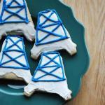 oil rig cookies on plate