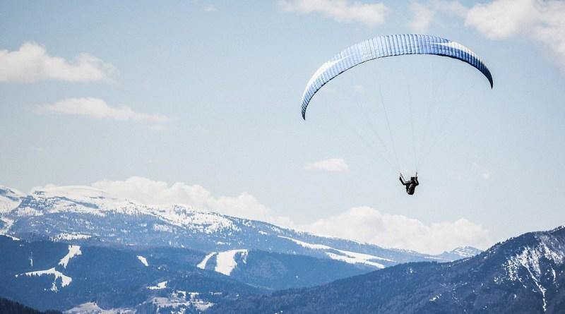 buttarsi col paracadute a Torino | Thegiornale