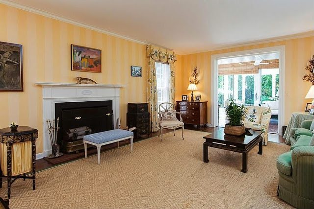 Good Let us take a look inside this one for sale located on Palm Beach us prestigious Seaview Avenue