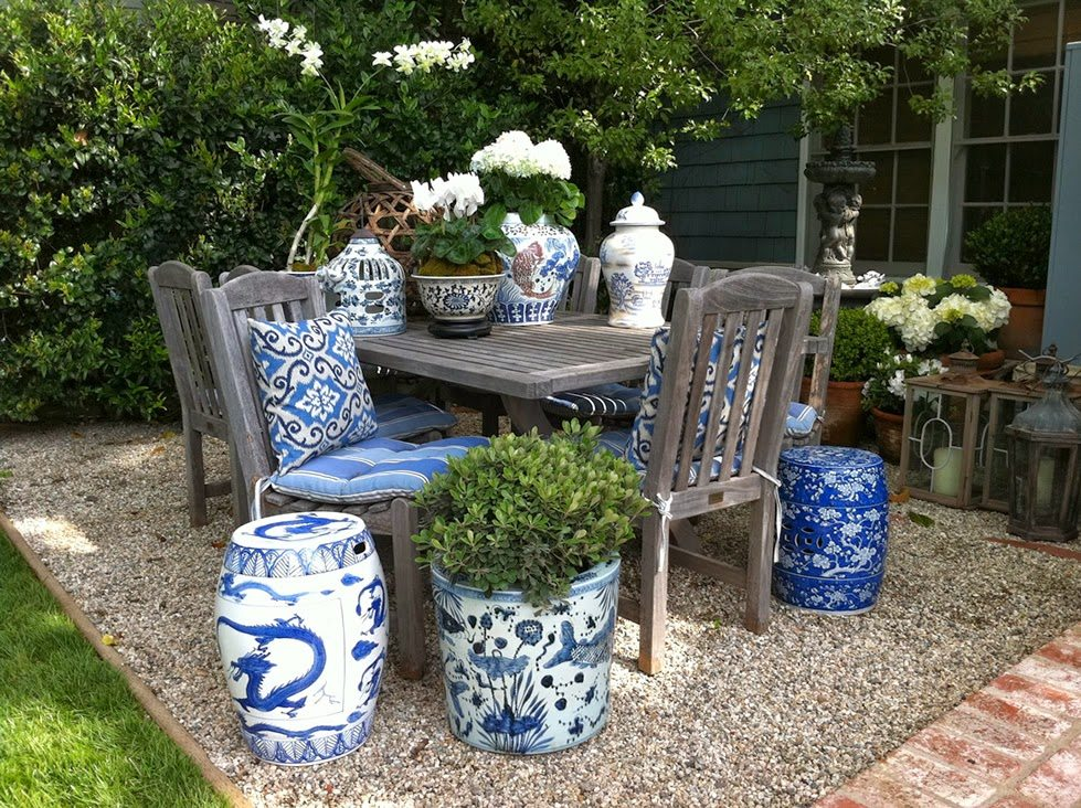 Chinoiserie Blue And White Outdoor Planters The Glam Pad