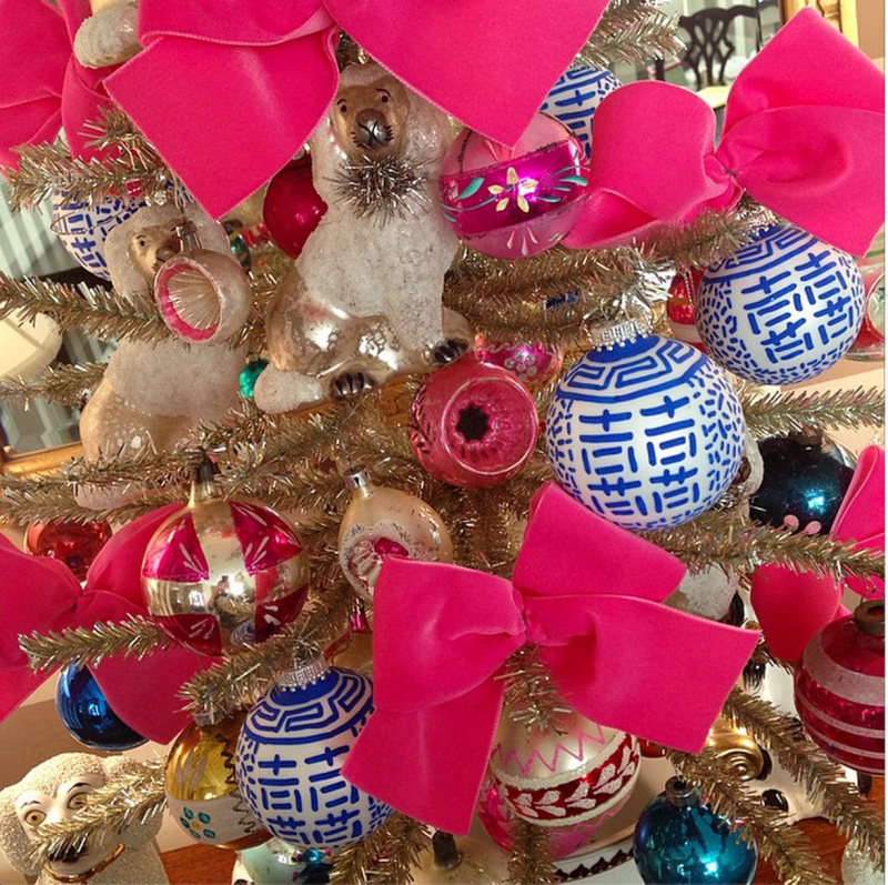 Christmas Tree Store Erie Pa: Blue-and-white-pink-chinoiserie-vintage-christmas-tree