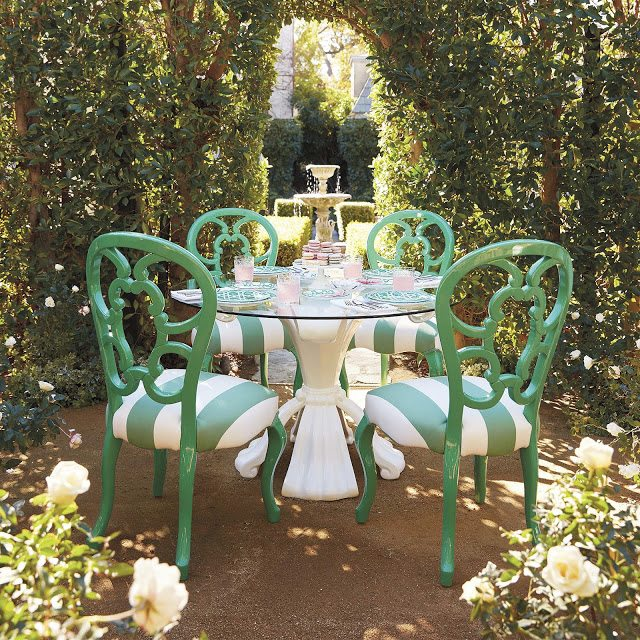 Beautiful Hillandale Rose Dining