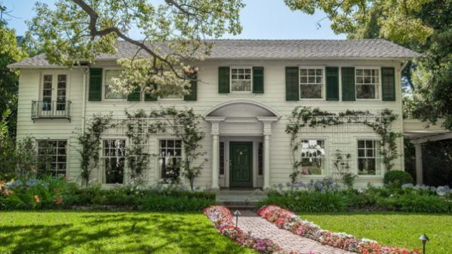 The Father Of The Bride Home Is For Sale The Glam Pad