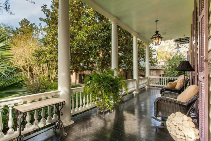 Charleston S Sword Gate House Is For Sale The Glam Pad