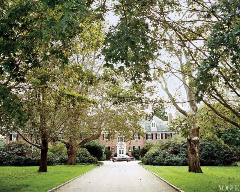 a53ee0e4cf47 An avenue of sugar maples leading to the main entrance. Tory Burch ...