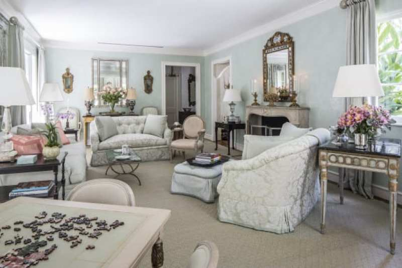 blue-damask-fabric-living-room-game-table