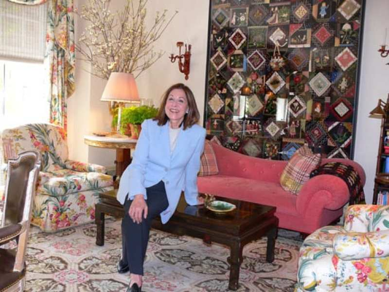 susan-zises-green-new-york-social-diary-chintz-quilts-traditional-interiors