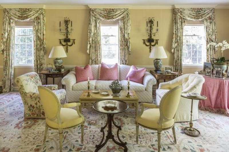 chintz-living-room-traditional