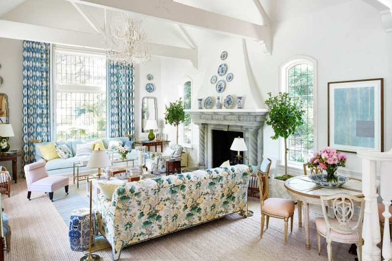 mark-d-sikes-beautiful-in-montecito-chintz-lee-jofa-althea-hollyhock-french-tudor-style-home-sisal-rug