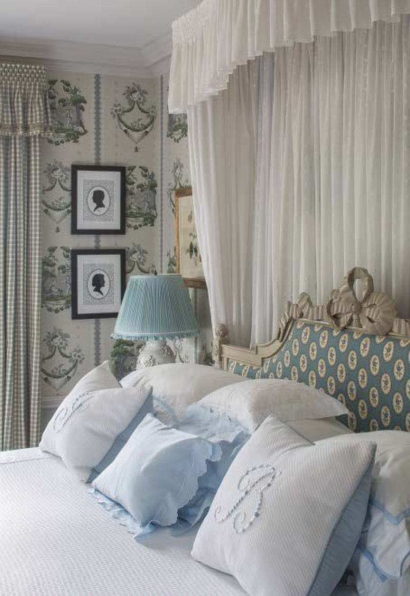 leta-austin-foster-french-headboard-silhouettes-wallpaper-bedroom