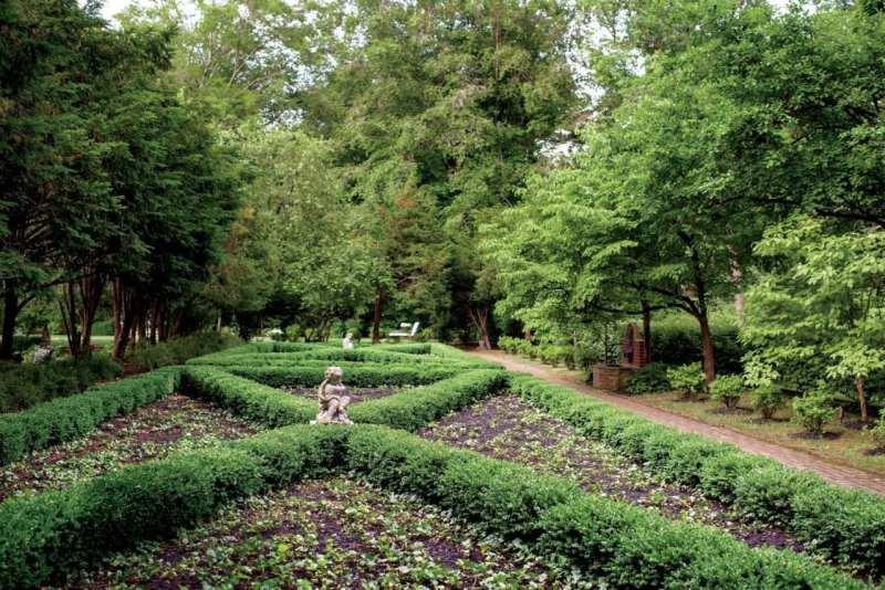 malvern-lee-robinson-kentucky-home-garden-gun-gardens-parterre-garden-olmstead-brothers