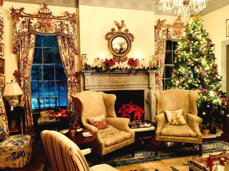Christmas With Holly.Classic Christmas With Holly Holden The Glam Pad
