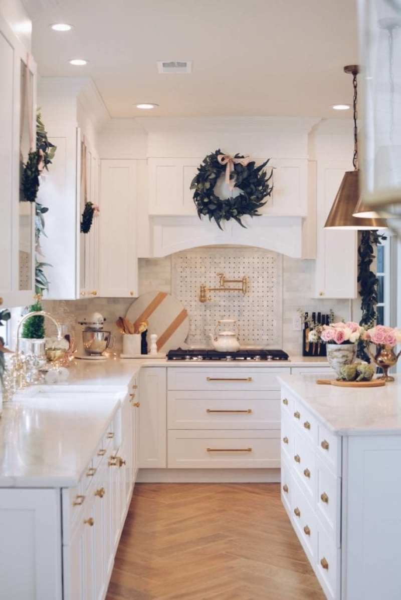 35 Christmas Kitchens and 55 Hostess Gift Ideas - The Glam Pad on pink la, pink kingdom, pink bh, pink flower of life, pink ba, pink sp, pink st, pink hp, pink do, pink brother, pink be, pink blue sky,