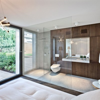Design Nightmare: The Open Concept Bathroom/Bedroom