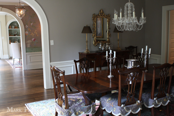 Traditional Dining Room Mahogany Brown Furniture Chairs Table Chippendale Sterling Silver Tea Set Gilt Mirror De Gournay Gracie Wallpaper Chinoiserie The Glam Pad