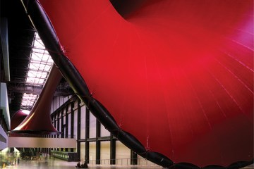 Marsyas, Tate Modern. London - UK, 2002. Design by Anish Kapoor & Cecil Balmond. Photograph courtesy of Balmond Studio