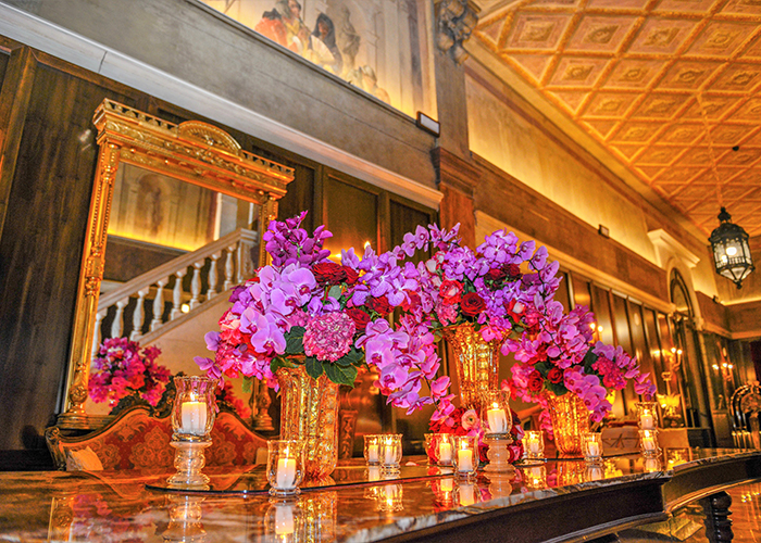 Story pic Magnificent floral display and wall fresco at Palazzo Venart_o[1]
