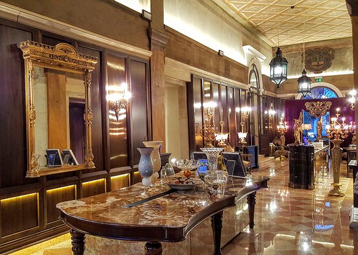 story pic Palazzo Venart Venice Lobby b