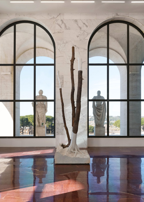 uk availability b83a2 fc177 Giuseppe Penone s Indistinti confini – Anio (Indistinct Boundaries 2012) is  made from marble and bronze.