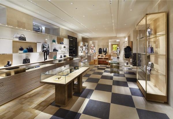 Louis Vuitton unveils their Place Vendôme flagship store ...