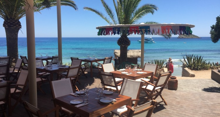 Outdoor dining at Aiyanna, Ibiza