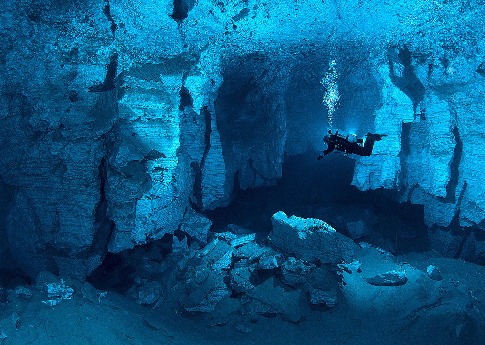 the-worlds-largest-underwater-cave