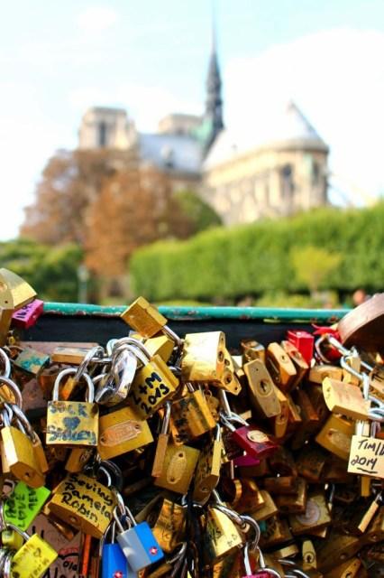 Love locks on Pont de l'Archevêché, Paris