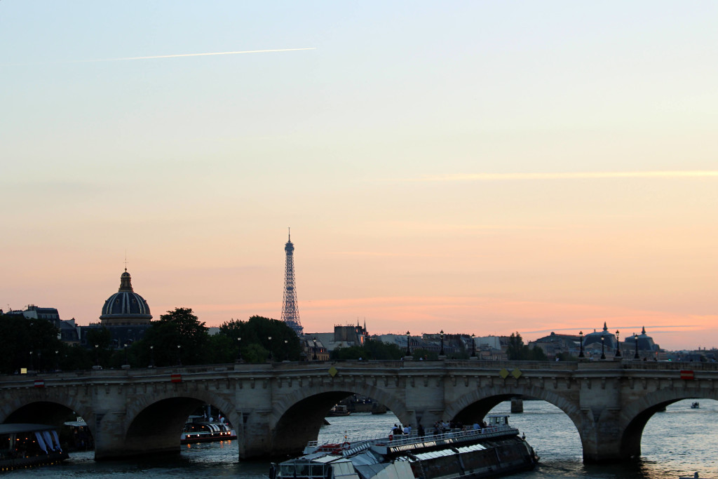 Pastel-colored skies over Pont Neuf