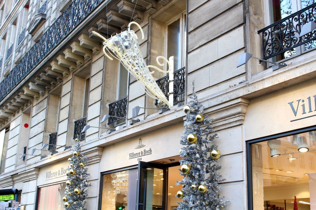 Christmas 2015, decor on Rue Royale 4, Christmas in Paris, The Glittering Unknown