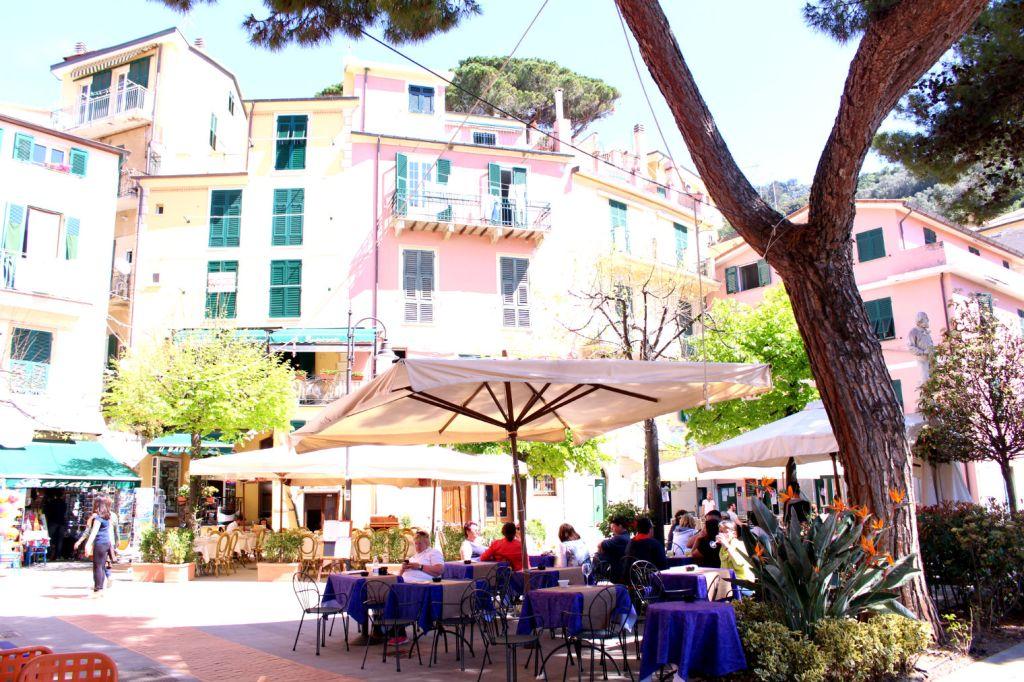 Centro Monterosso al Mare Cinque Terre Italy, Monterosso to Vernazza, The Glittering Unknown