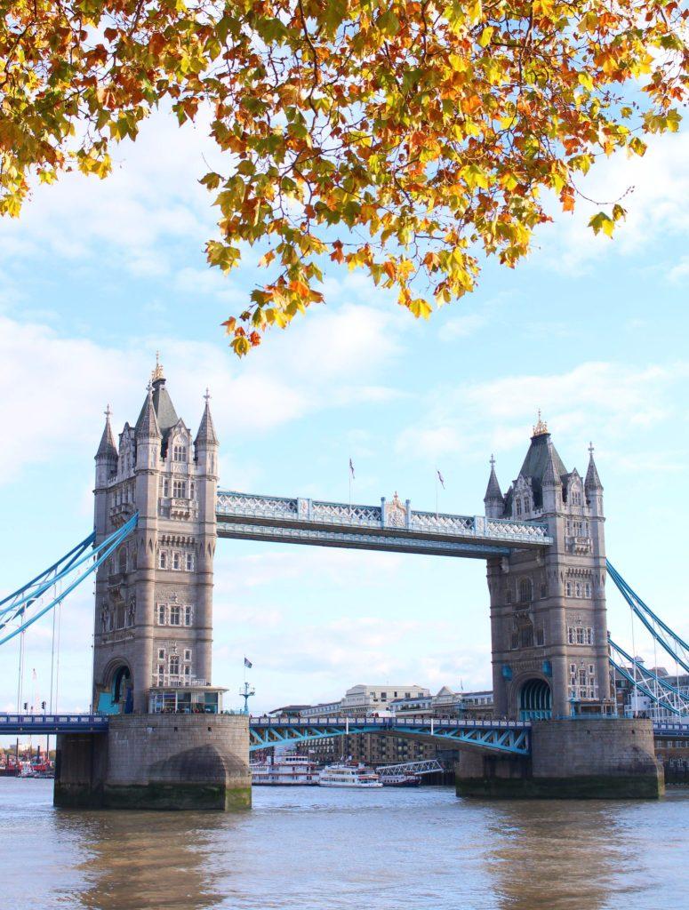 Autumn at Tower Bridge, Day Trip London-Paris