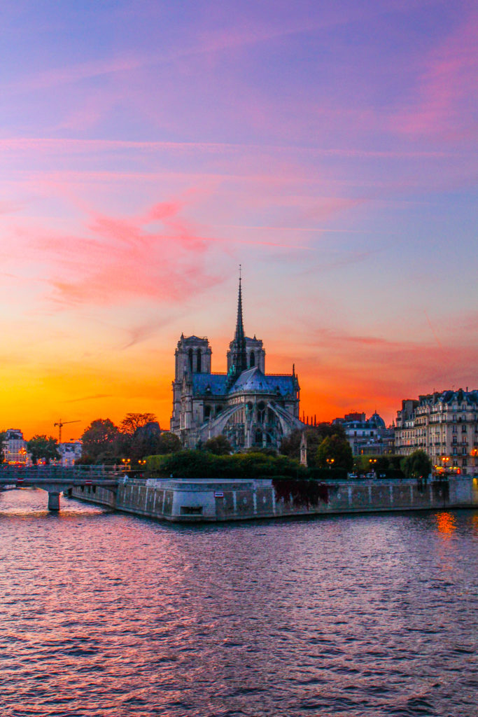 Sunset over Notre Dame from Pont de la Tournelle- 5 Best Sunset Spots in Paris