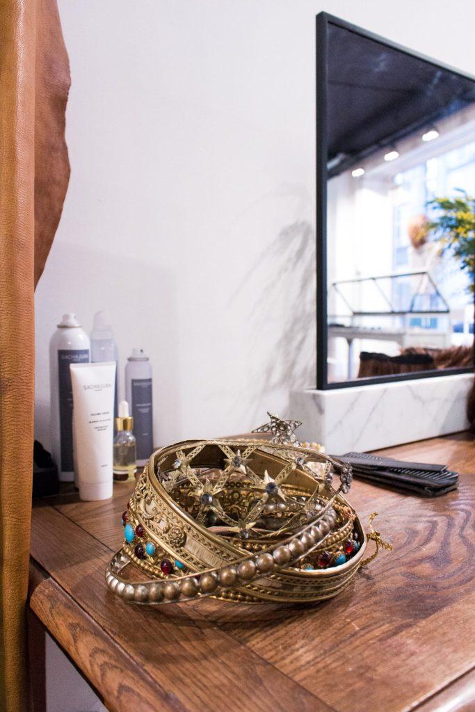 Accessoires, Studio Marisol- Le Meilleur Salon de Coiffure à Paris
