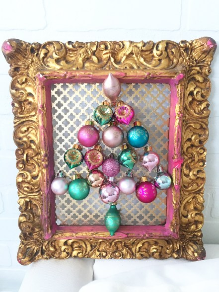 ornament frame, simple craft, beginner diy, Christmas decoration, Christmas craft, vintage ornaments what to do with extra ornaments, studio 5, pastel crafts, gifts for mom