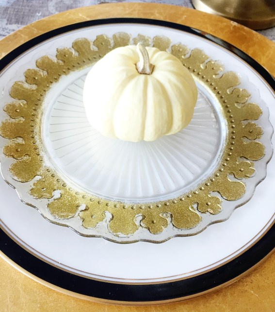 IKEA hack, Anthropology plates, DIY gold plates, thanksgiving entertaining, dinner parties, table setting, gold lace plates, how to make these anthro knockoffs, studio 5,
