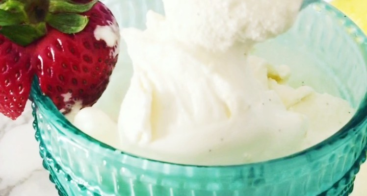 lemon gelato, how to make homemade lemon gelatto, recipe, ice cream, lemon desserts, lemon ice cream, summer desserts,