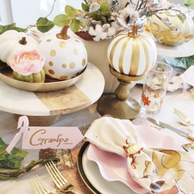 modern fall thanksgiving table setting, table setting, fall tablescapes, thanksgiving table settings, Modern thanksgiving table, pink fall table settings, gold and blush table settings, gold table settings, sophistaplates, kate aspen,
