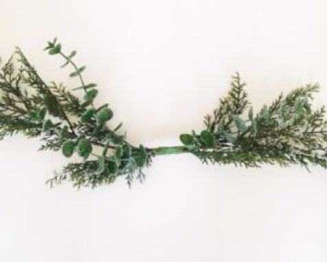 modern wooden wreath, hoop wreath, studio 5 Christmas wreath, DIY, tutorial, Christmas wreath tutorial, DIY Christmas wreath, wooden wreath, natural wreath, simple winter decor,