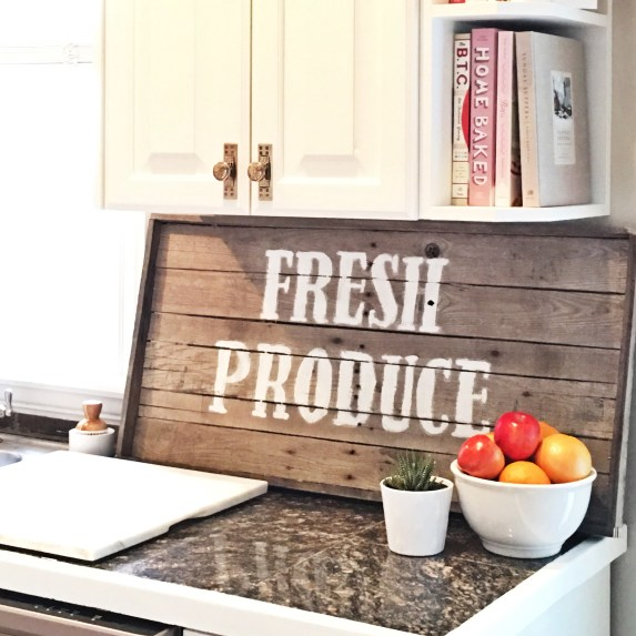 farmhouse signs, farmhouse, wood signs, DIY wood signs, pallet wood signs, studio 5, tutorial, how to make a wooden farmhouse sign, paint a wood sign,