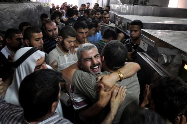 Israel attacks palestine (3)