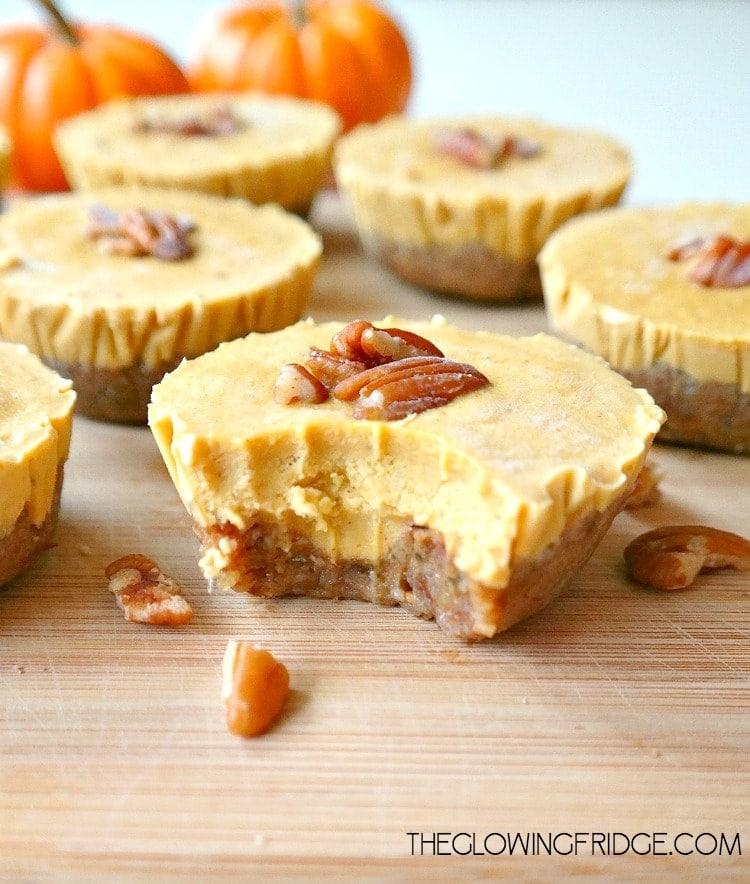 Here are the BEST Vegan Pumpkin Recipes to Make this Fall - there's pumpkin drinks, pumpkin dessert ideas, pumpkin dinner recipes, + more!