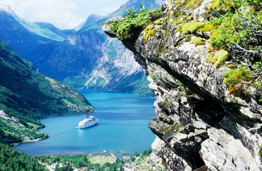 Møre-Og-Romsdal-Geirangerfjord - The Golden Scope