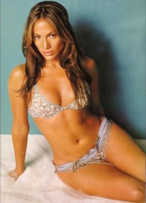 Jennifer-Lopez-bikini TheGoldenStyle