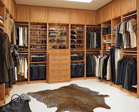 closet man
