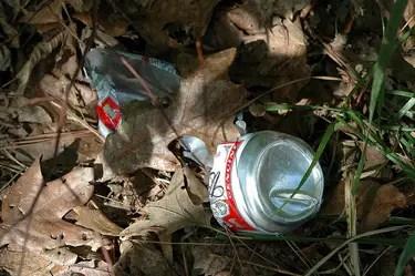 aluminumcan Americans Throw Away 1,500 Aluminum Cans Per Second.